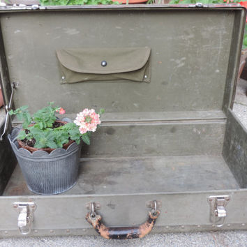 Vintage Trunk Distressed Military Storage Foot Locker Trunk Antique Luggage Industrial Military Green Grey Trunk