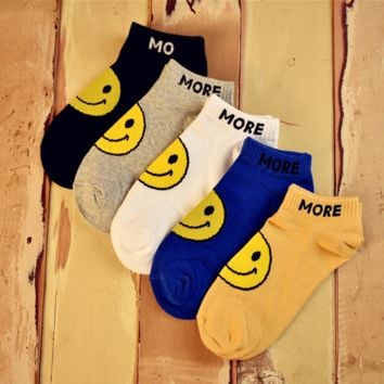 5 Pairs  Cute Smile Face Womens kNitted Warm Socks