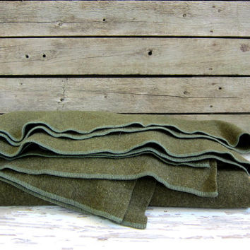 20% OFF SALE vintage army green Wool Camp Blanket / twin or cot size