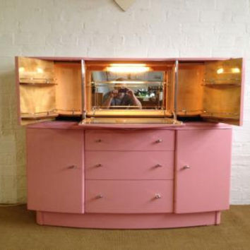 Amazing Art Deco Pink Lacquered 1930's Cocktail Cabinet / Bar / Beautility