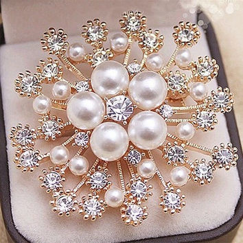 Popular KC Gold Plated High Quality Imitation Pearl And Crystals Flower Bouquet Brooch For Wedding Elegant Women Gift Brooch Pin
