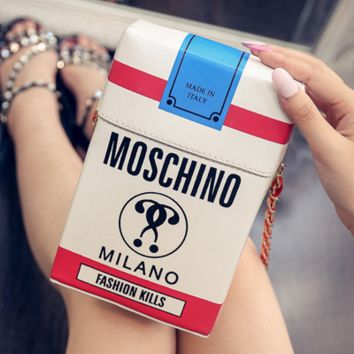 Moschino's new fashion personality women pack a small bag with a small bag and a small bag