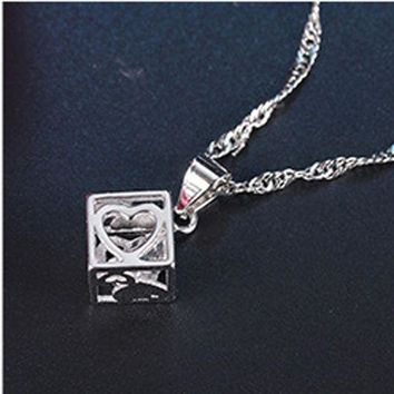 CREYONHC YVLAH 2017 New Product That Hot Style Simple Magic Cube Pendant Necklace Women XL17