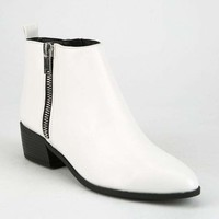 CITY CLASSIFIED Side Zip Womens Booties