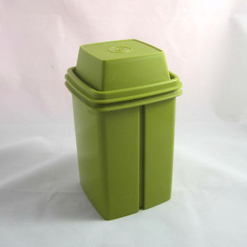 Vintage Tupperware Pickle Keeper Green Lid , Avocado Green Retro Tupperware , Pickle Storage Container , Green Tupperware Pickle