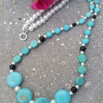 Turquoise black and white pearl bead necklace with toggle clasp