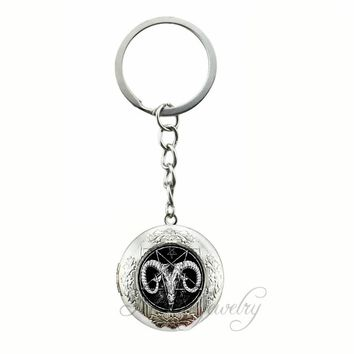 Inverted Pentagram Goat Head Locket Pendants Keychain The Sign of Satanism Occult Glass Pendant Key Chain Ring Evil Jewelry