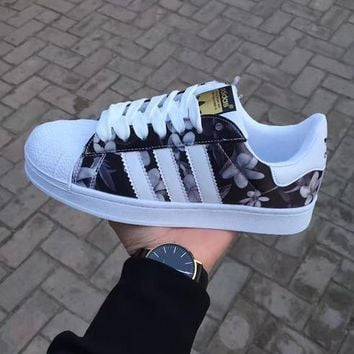 wanelu:Adidas fashion casual shoes