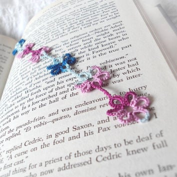 Lace Flower Bookmark in Tatting - Daisy