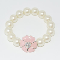 Little Girls Stretch Pearl Bracelet with Flower Bead