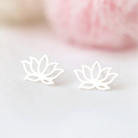 Lotus Earrings in silver