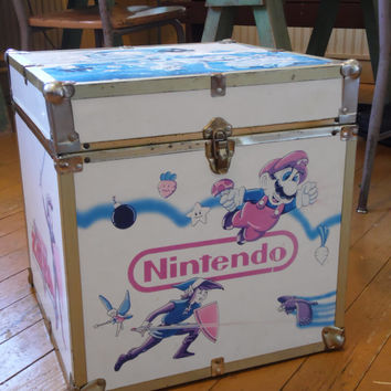 Nintendo Trunk/Mario Brothers/Zelda/1980's Toys/Zelda Trunk/Mario Brother's Trunk/Toy Trunk/Vintage Toys/Vintage Trunk/Children's Trunk