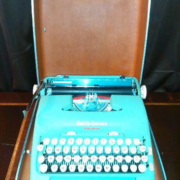 Vintage 1960's Smith-Corona Electric Typewriter with Case