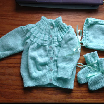 Green Baby Sweater Set - Hand Knittted incl. Pastel Sweater, Booties, and Bonnet w Ribbon Trim - Great Baby Shower Gift - Vintage Pattern