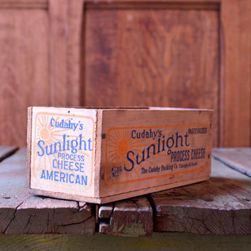 Vintage Cheese Box, Small Wood Box, SUNLIGHT, American Cheese Box, Chicago