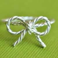 TINY BOW rope ring sterling silver twisted wire by muyinmolly