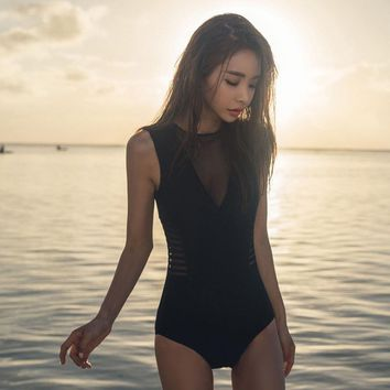 2019 new hot spring swimsuit covered belly slim black one-piece swimsuit