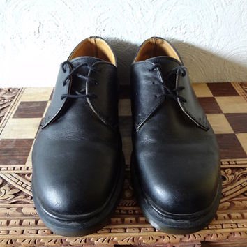 Vintage Dr Martens Made in England size 9 UK mens shoes