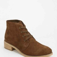BDG Heeled Suede Chukka Boot-