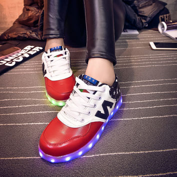 Korean Casual LED Lightning Round-toe Low-cut Flat Couple Stylish Shoes [6734574535]