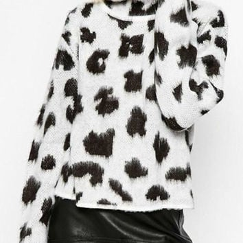 White and Black Turtleneck Long Sleeve Leopard Sweater