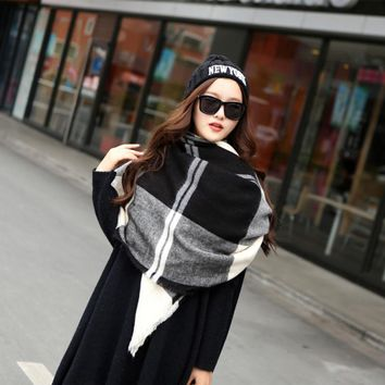 Winter Warm Scarf Women Plaid Pashmina Fashion Scarves Cashmere Scarfs Fulares Mujer Foulard Femme Hiver Woman Big Size Shawl