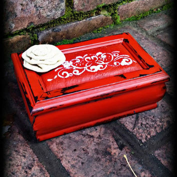 Shabby chic jewelry box, Distressed jewelry box, rustic jewelry box, red jewelry box, jewelry box, girls gift idea, jewelry storage, gift