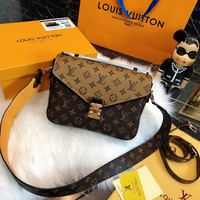 Louis Vuitton LV Monogram Pochette Metis Shoulder bag