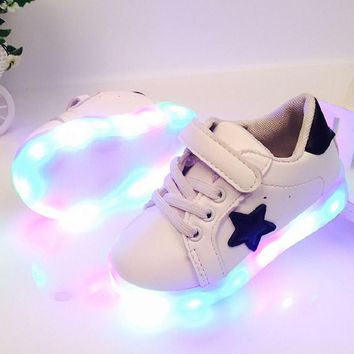 2016 Five-pointed star LED baby shoes glowing sneakers Marquees Sports Shoes Autumn Winter Girls boys star Children Shoes Casual
