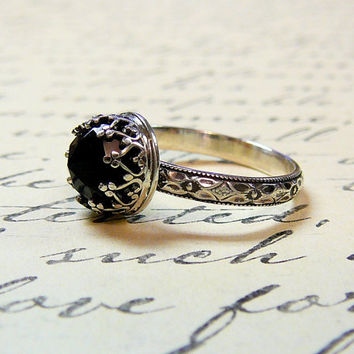 Beautiful Gothic Vintage Sterling Silver Floral Band Ring with Rose cut Black Onyx and Heart Bezel