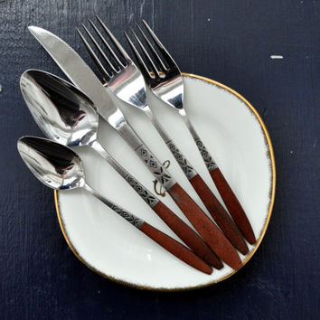Vintage Ekco Eterna Flatware, Faux Wood Handle and Stainless Steel, EKS5 Diamond and Petal Pattern, Service for Four