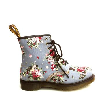 Dr. Airwair Martens – Castel Victorian Flowers Ankle Boot In Grey Denim | Thirteen Vintage