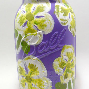 Painted Mason Jar with White and Yellow Flowers - decorated mason jar - painted glass jar - home decor - gift ideas - mason jar gifts