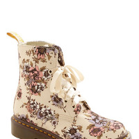 Dr. Martens Vintage Inspired In the Botanic of Time Boot