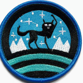 Wolf Patch - Blue Patches - Wolves Patch - Iron On - Wolf Patches Round - Animal Applique Jacket Patch Wolf Clothing Cool Patches UK Seller