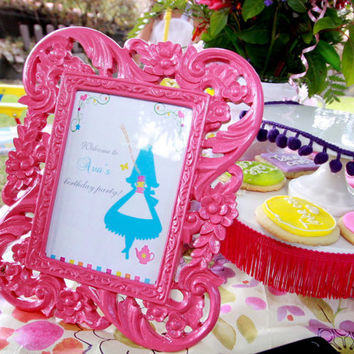Alice in Wonderland - Classy Fun - Party WELCOME SIGN - Printable (DIY)