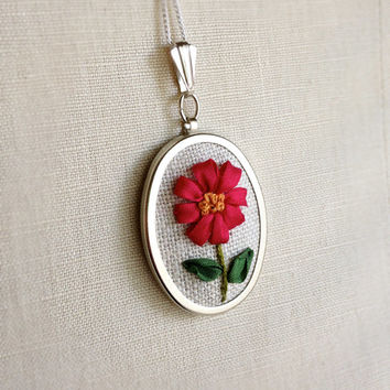 Silk Ribbon Embroidery Embroidered Necklace Deep Pink Magenta Daisy Flower Pendant