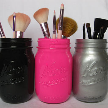 makeup brush holders from thecraftyengineerx