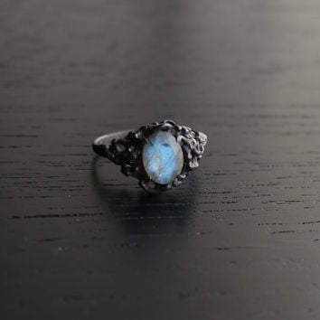 Sea Nymph Ring I - Labradorite