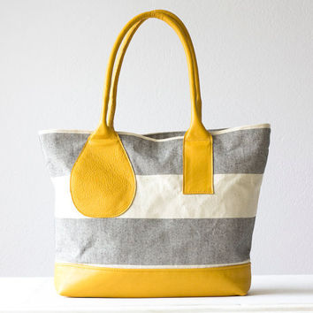 Shoulder bag , stripe tote , stripe purse in grey and offwhite with Yellow leather  - Kallisto bag