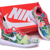 Nike Roshe Run (Floral Garden Print Pink Leaves)