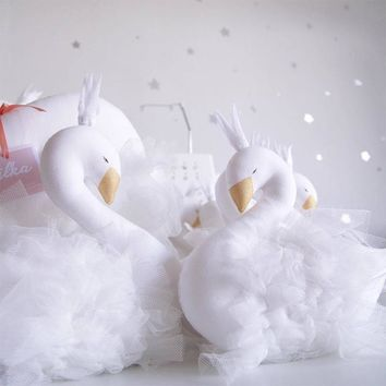 Sleeping Toys Cute Crown Swan Shap Baby Pillow Children's Room Decoration Kids Animal Dolls Photography Props 1 Piece