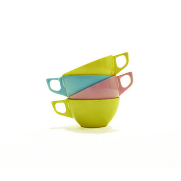 Set of Four Pastel Melmac Cups or Mugs