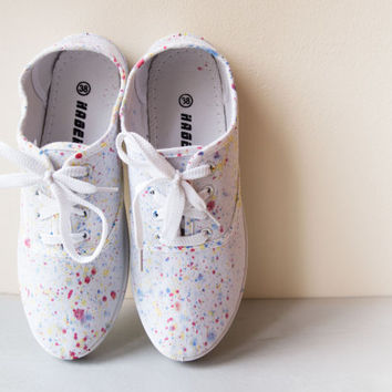 PAINT SPLATTER - pianted shoes for her.