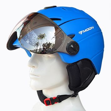 MOON Professional Half-covered CE Certification Ski Helmet Integrally-molded Outdoor Sports Helmets +Snowboard Goggles Mask