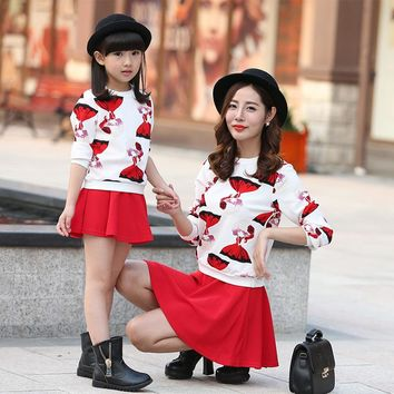 Mother Daughter Dresses 2017 Autumn Long Sleeve Sweatshirt Coat + Red Skirt 2 Two Pieces Suit Family Matching Outfits Clothing
