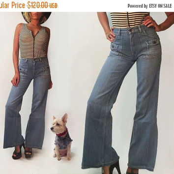 SUMMER SALE Vintage 1970's High Waisted Light Wash Denim Bell Bottom Jeans || 70s Bellbottoms Bells Hippie Jeans || Long Length || Size 27 2