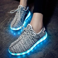 Korean Casual LED Lightning Round-toe Low-cut Flat Stylish Shoes [6734567751]