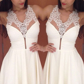 White Bohemian Cute Sexy Lace Halter Plunging Short Party Dress