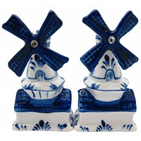 Collectible Salt and Pepper Shakers: Windmills